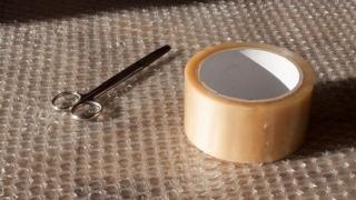 ガムテープ
